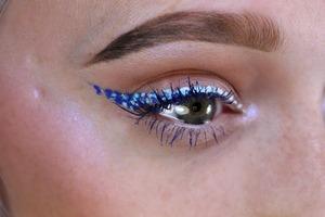 blue-ombr-speckle-liner